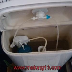 IMG 20131120 111102 300x300 11.20佳韵园,维修漏水马桶和改造成节水型马桶