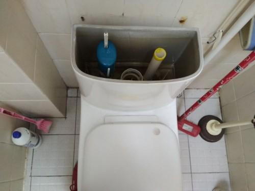 1 500x375 5.24外贸新村,维修漏水马桶